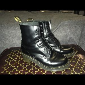 Dr. Martens Clemency Smooth size US 9